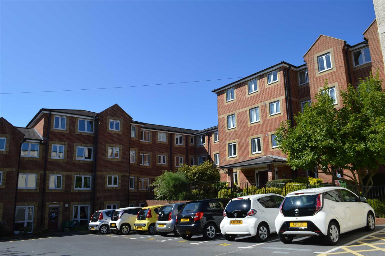 Maxime Court, Sketty, Swansea, SA2 9FB